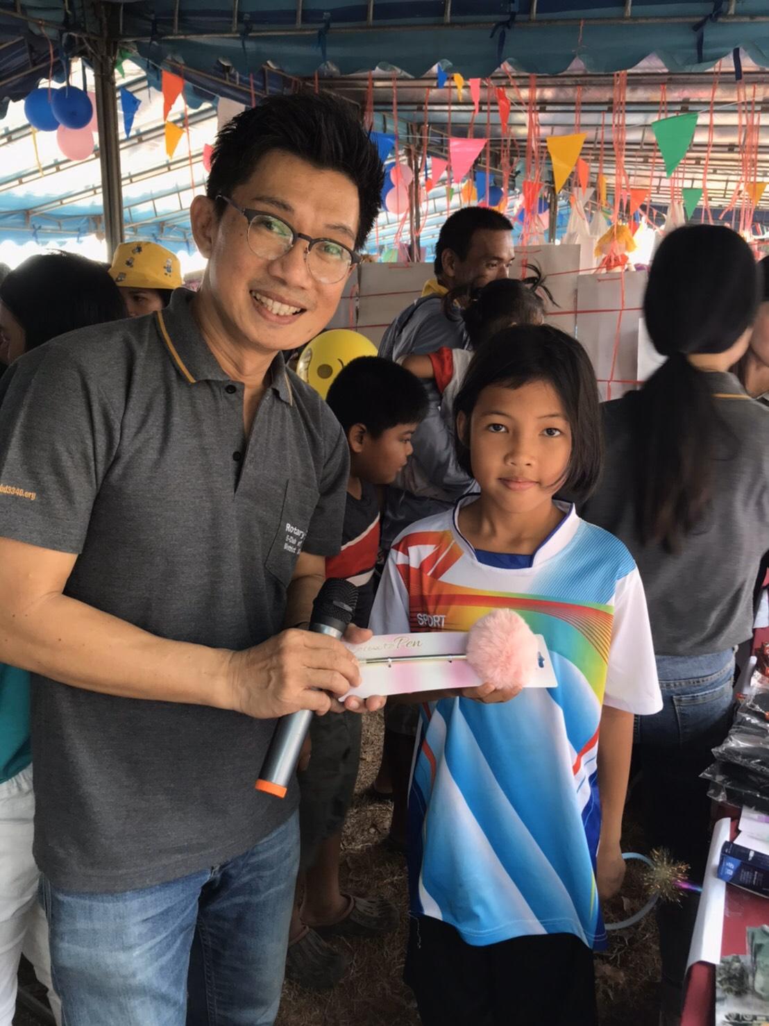 สโมสรโรตารี อี-คลับภาค3340 ร่วมกิจกรรมวันเด็กที่ช่อง11 จันทบุรี